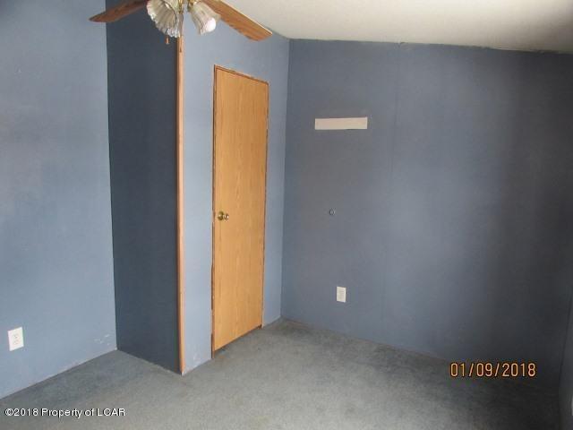5 Laude Dr,Mountain Top,Pennsylvania 18707,4 Bedrooms Bedrooms,8 Rooms Rooms,2 BathroomsBathrooms,Residential,Laude,18-436