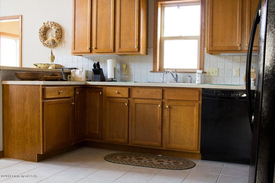 5. Kitchen (1)