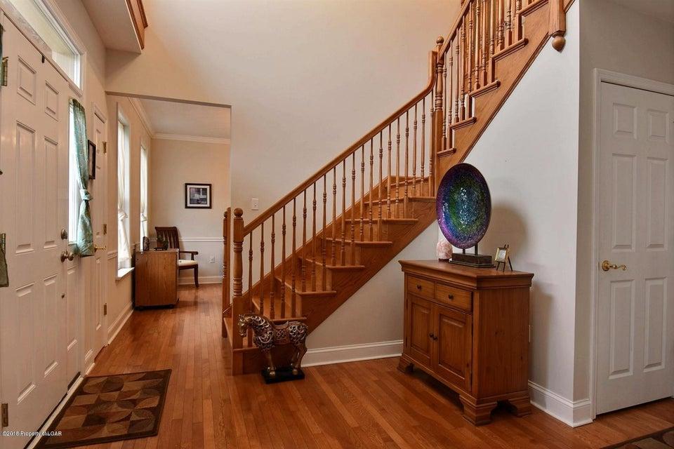 38 Oneill Dr,Moosic,Pennsylvania 18507,4 Bedrooms Bedrooms,8 Rooms Rooms,2 BathroomsBathrooms,Residential,Oneill,18-899