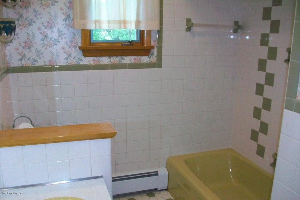 Full Bath View 2