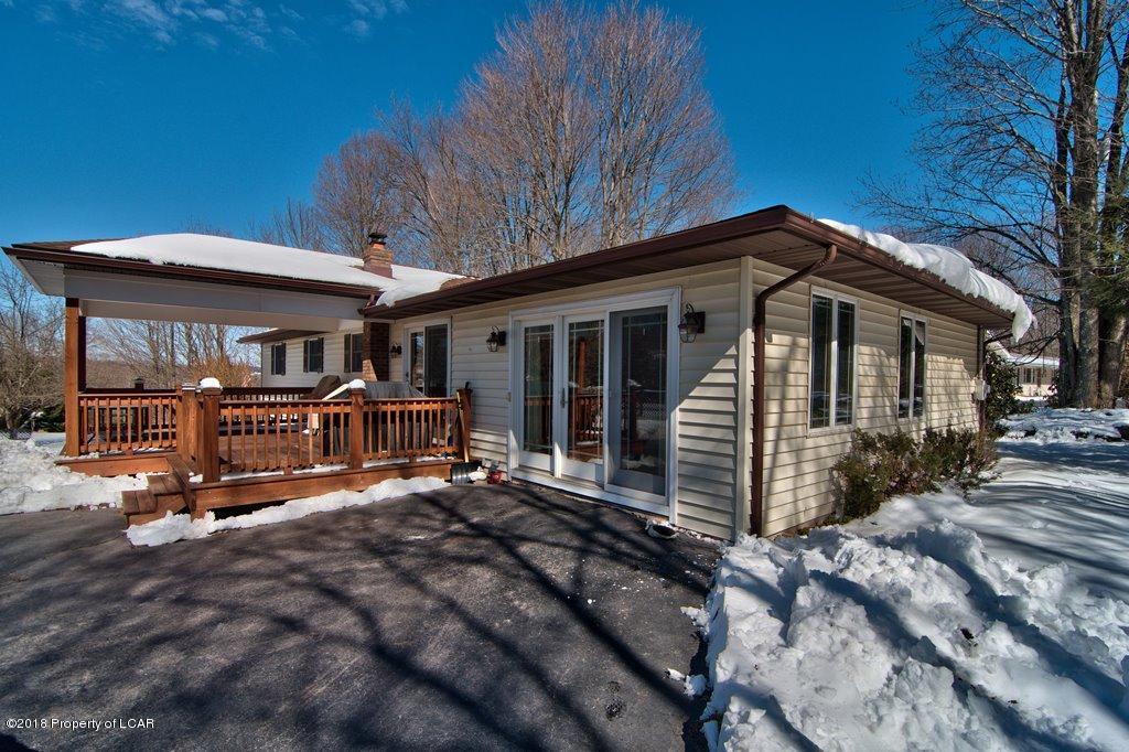 2595 Lake Ariel Hwy,Honesdale,Pennsylvania 18431,3 Bedrooms Bedrooms,7 Rooms Rooms,2 BathroomsBathrooms,Residential,Lake Ariel,18-1033