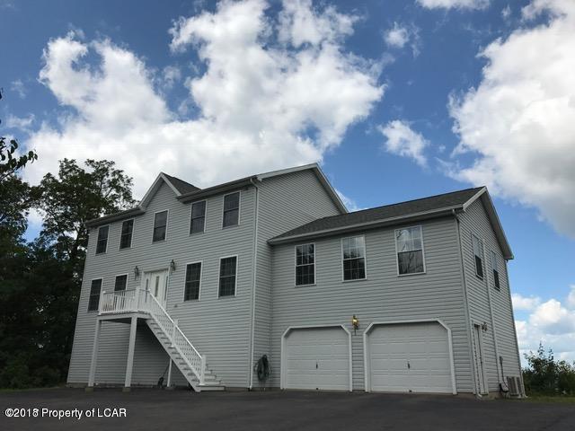 51 Conyngham Crest Drive Sugarloaf,Pennsylvania 18249,3 Bedrooms Bedrooms,9 Rooms Rooms,2 BathroomsBathrooms,Residential lease,Conyngham Crest Drive,18-1965