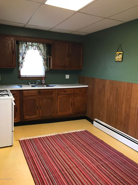 24 Luzerne Ave,Larksville,Pennsylvania 18704,3 Bedrooms Bedrooms,6 Rooms Rooms,1 BathroomBathrooms,Residential lease,Luzerne,18-2067