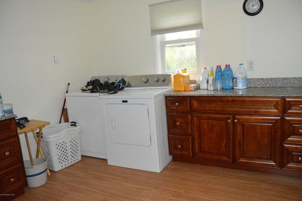 1/2 bath Laundry