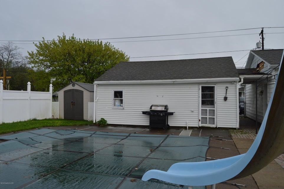 Pool/garage
