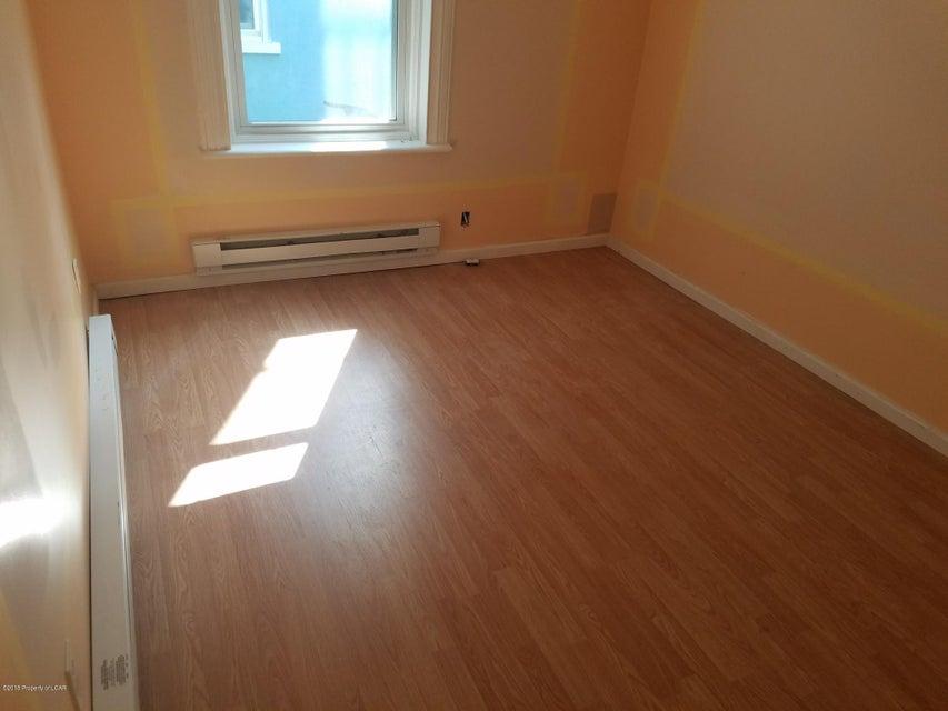 303 Franklin St,Wilkes-Barre,Pennsylvania 18702,2 Bedrooms Bedrooms,5 Rooms Rooms,1 BathroomBathrooms,Residential lease,Franklin,18-2705