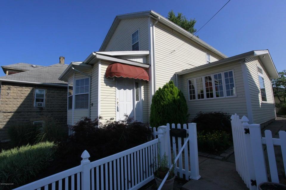 92 John St,Pittston,Pennsylvania 18640,3 Bedrooms Bedrooms,7 Rooms Rooms,1 BathroomBathrooms,Residential,John,18-3581