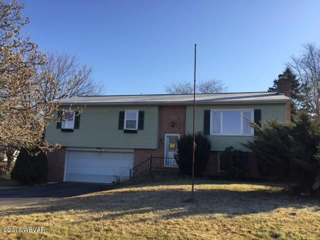 33 RIDGE ROAD,Lewisburg,Pennsylvania 17837,3 Bedrooms Bedrooms,3 BathroomsBathrooms,Residential,RIDGE,WB-79368