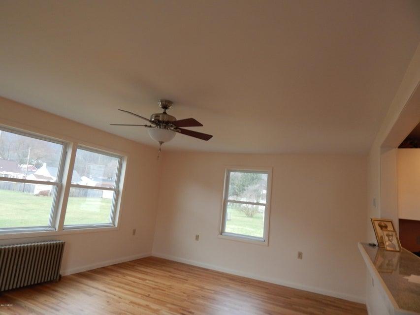 105 BROAD STREET,Hughesville,PA 17737,3 Bedrooms Bedrooms,1 BathroomBathrooms,Residential,BROAD,WB-80423