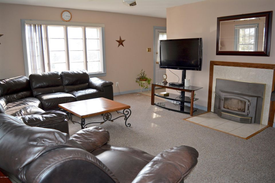 2815 ORCHARD AVENUE,Montoursville,PA 17754,3 Bedrooms Bedrooms,2 BathroomsBathrooms,Residential,ORCHARD,WB-82004