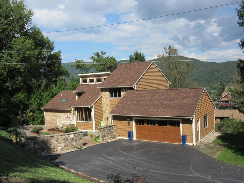 240 MELODY LANE,Lock Haven,PA 17745,3 Bedrooms Bedrooms,2.5 BathroomsBathrooms,Residential,MELODY,WB-82595