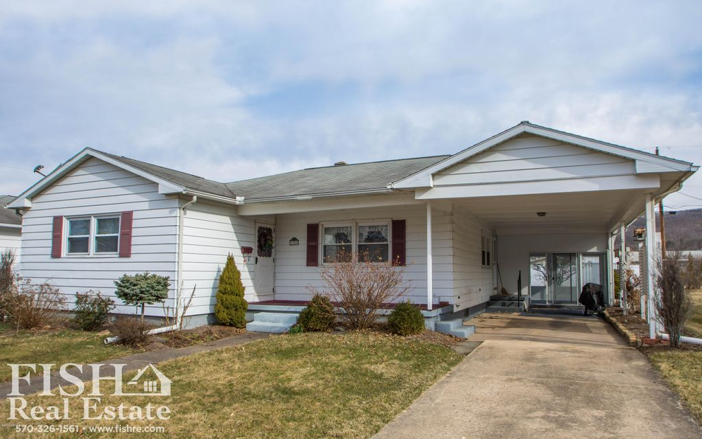 1303 SPRUCE STREET,Montoursville,PA 17754,3 Bedrooms Bedrooms,1 BathroomBathrooms,Residential,SPRUCE,WB-83498