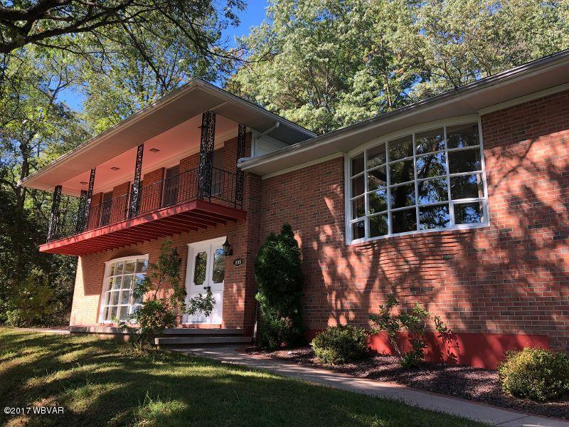195 SELKIRK ROAD,Williamsport,PA 17701,3 Bedrooms Bedrooms,2.5 BathroomsBathrooms,Residential,SELKIRK,WB-83497