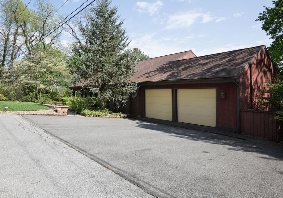 212 RODERICK ROAD,Williamsport,PA 17701,4 Bedrooms Bedrooms,4 BathroomsBathrooms,Residential,RODERICK,WB-84070