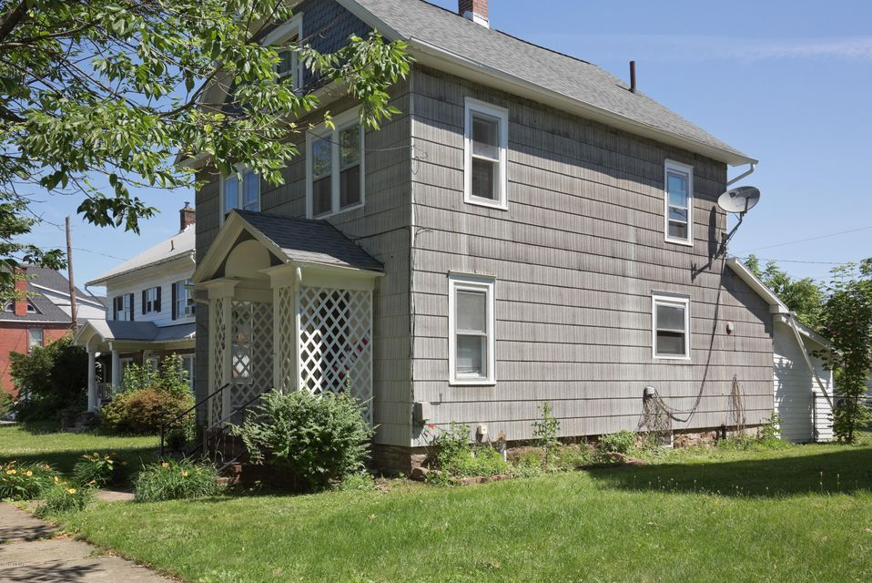 435 MARKET STREET,S. Williamsport,PA 17702,3 Bedrooms Bedrooms,1.75 BathroomsBathrooms,Residential,MARKET,WB-84459