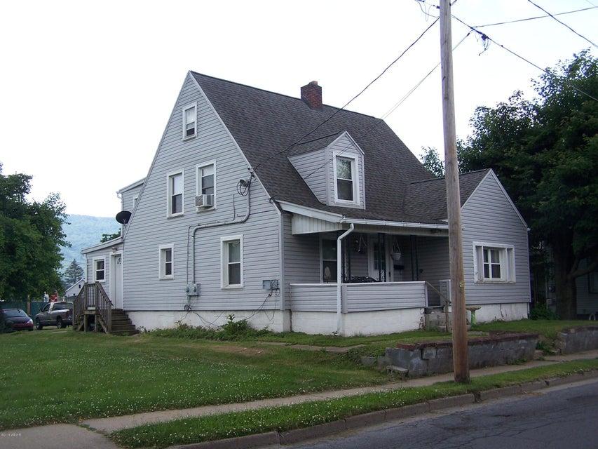220 CLINTON STREET,Lock Haven,PA 17745,4 Bedrooms Bedrooms,2 BathroomsBathrooms,Residential,CLINTON,WB-84466
