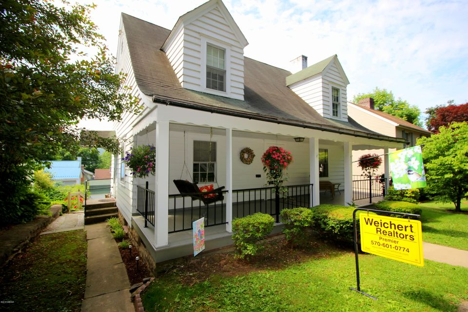 2371 HILLSIDE AVENUE,Williamsport,PA 17701,3 Bedrooms Bedrooms,3 BathroomsBathrooms,Residential,HILLSIDE,WB-84458