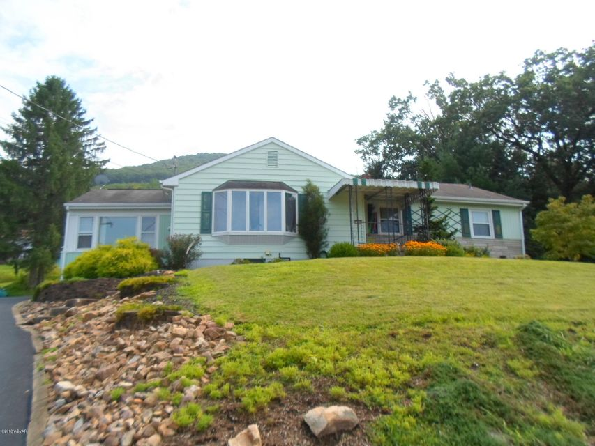 1543 MOUNTAIN AVENUE,S. Williamsport,PA 17702,4 Bedrooms Bedrooms,3 BathroomsBathrooms,Residential,MOUNTAIN,WB-85066