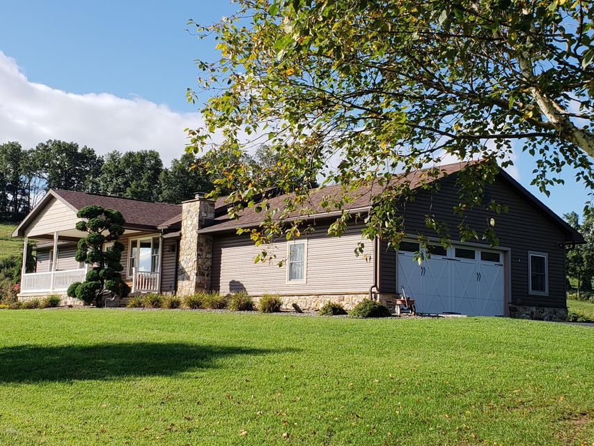 3739 CANOE RUN ROAD,Jersey Shore,PA 17740,4 Bedrooms Bedrooms,2 BathroomsBathrooms,Residential,CANOE RUN,WB-85333