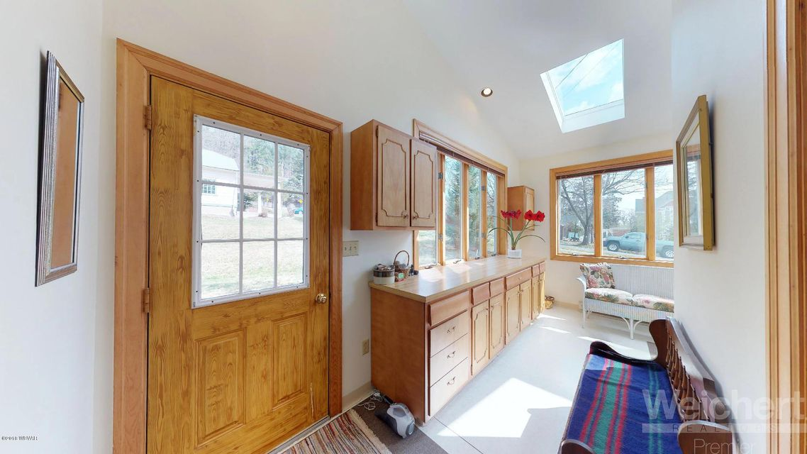 245 GRAMPIAN BOULEVARD,Williamsport,PA 17701,5 Bedrooms Bedrooms,5 BathroomsBathrooms,Residential,GRAMPIAN,WB-85593