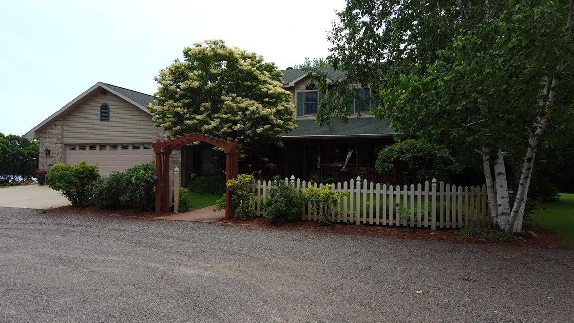411 Horseshoe Drive,Willmar,5 Bedrooms Bedrooms,4 BathroomsBathrooms,Single Family,Horseshoe Drive,6023979