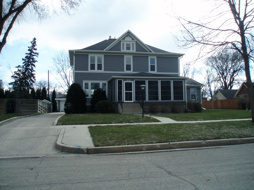 613 12th Street,Benson,5 Bedrooms Bedrooms,3 BathroomsBathrooms,Single Family,12th Street,6025136