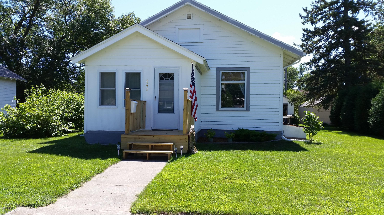 242 E Rooney Avenue,Appleton,2 Bedrooms Bedrooms,2 BathroomsBathrooms,Single Family,E Rooney Avenue,6025150