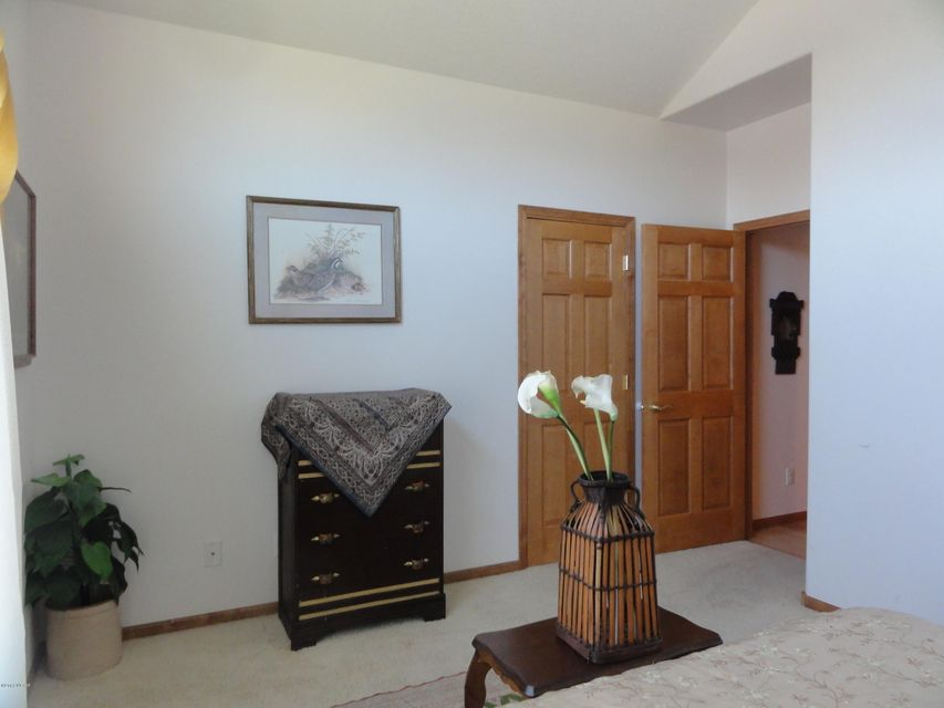 1800 Country Club Drive,Willmar,5 Bedrooms Bedrooms,3 BathroomsBathrooms,Single Family,Country Club Drive,6025198