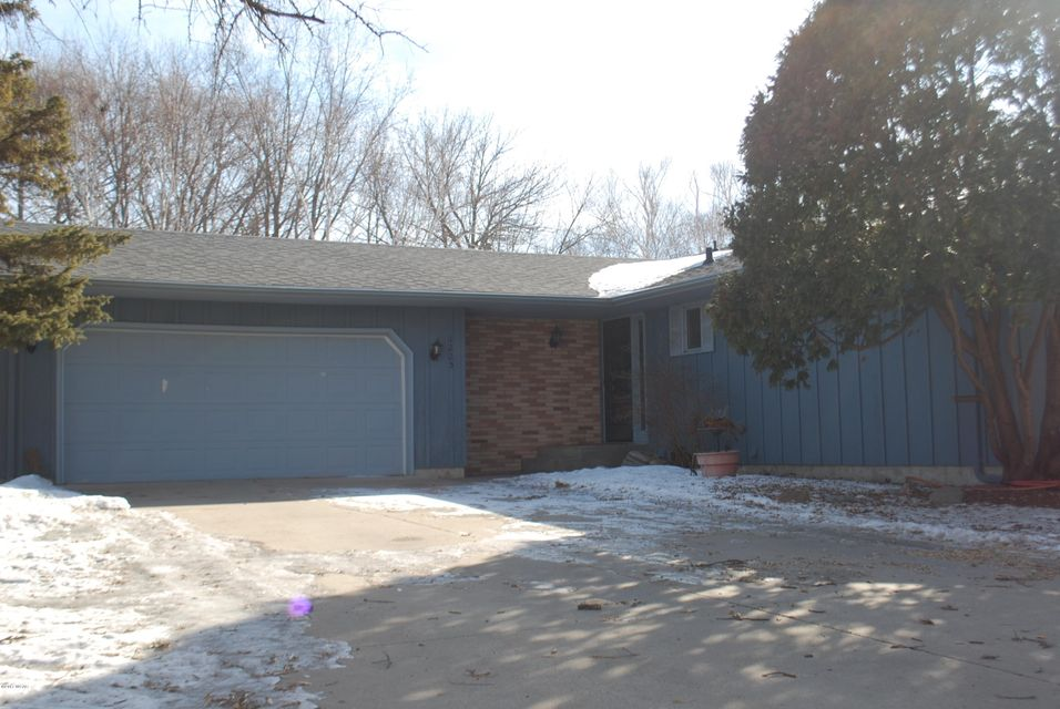1225 18th Street,Willmar,3 Bedrooms Bedrooms,2 BathroomsBathrooms,Single Family,18th Street,6025786