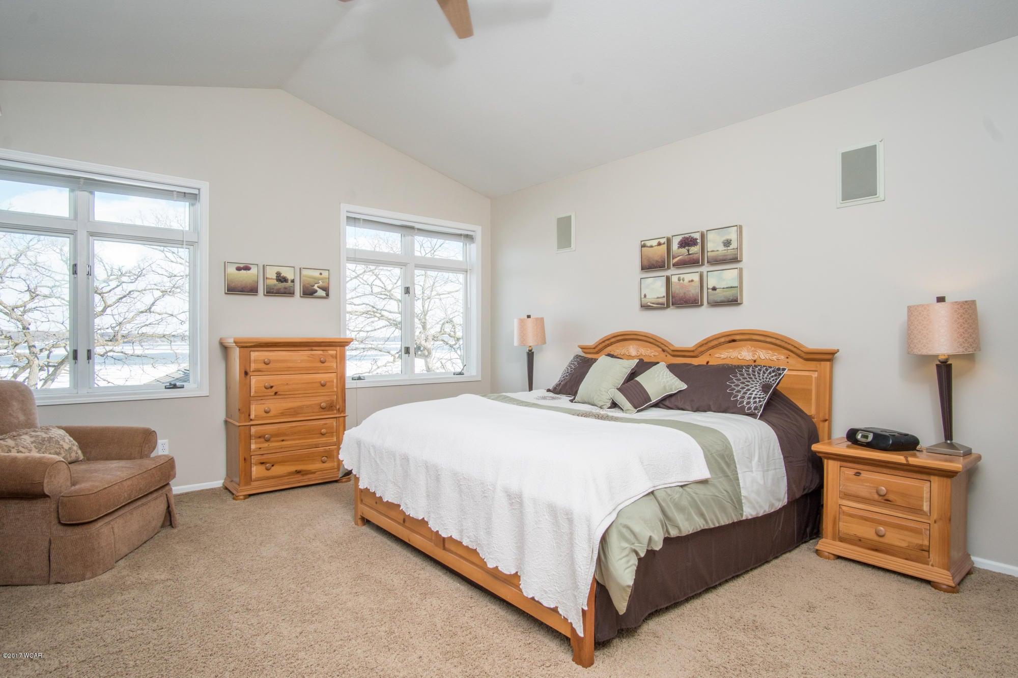 1120 S Andrew Drive,New London,4 Bedrooms Bedrooms,4 BathroomsBathrooms,Single Family,S Andrew Drive,6026076