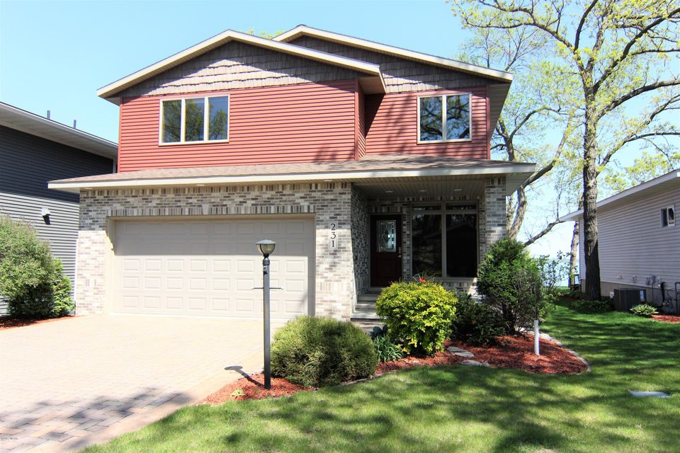 231 S Lake Ave,Spicer,3 Bedrooms Bedrooms,4 BathroomsBathrooms,Single Family,S Lake Ave,6021870