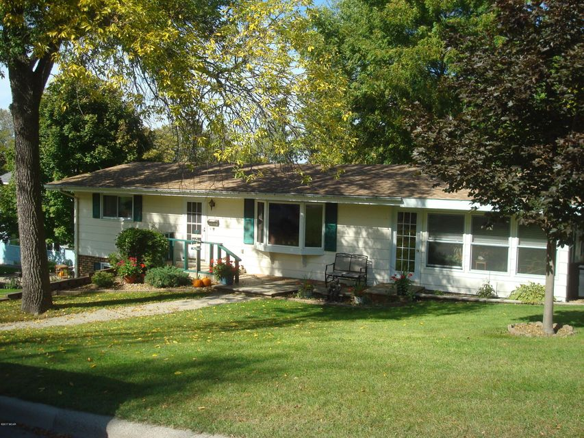 335 E Sorenson Avenue,Appleton,3 Bedrooms Bedrooms,2 BathroomsBathrooms,Single Family,E Sorenson Avenue,6027591