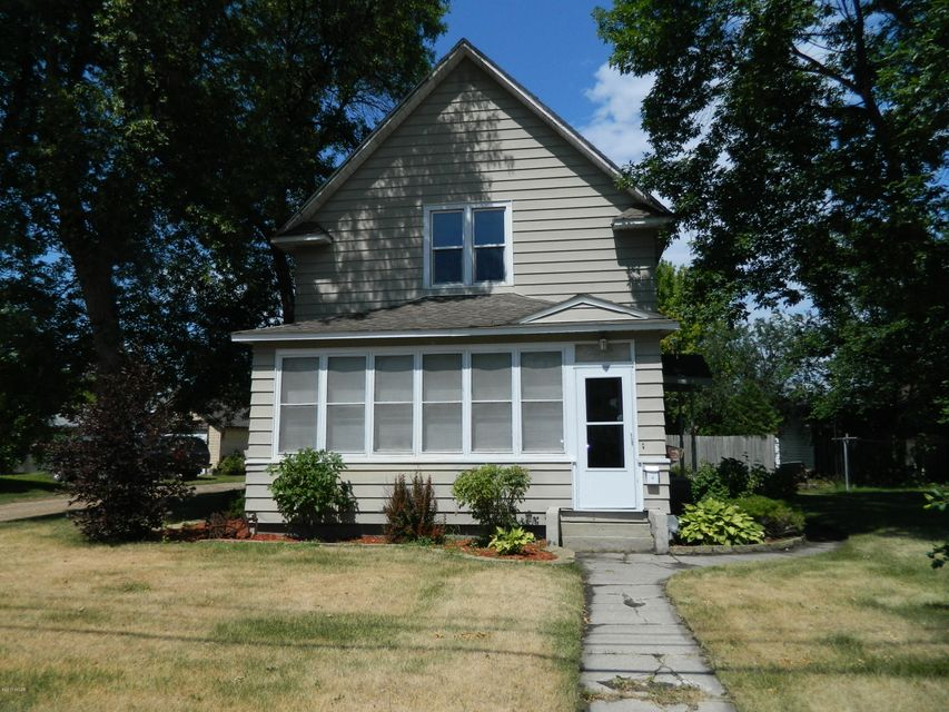 1420 Oregon Avenue,Benson,5 Bedrooms Bedrooms,2 BathroomsBathrooms,Single Family,Oregon Avenue,6027733