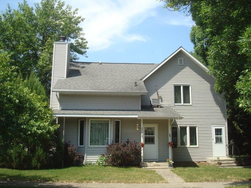 235 S Hering Street,Appleton,3 Bedrooms Bedrooms,2.5 BathroomsBathrooms,MultiFamily,S Hering Street,6027760