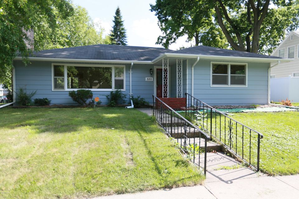 320 Trott Avenue,Willmar,4 Bedrooms Bedrooms,2 BathroomsBathrooms,Single Family,Trott Avenue,6027982