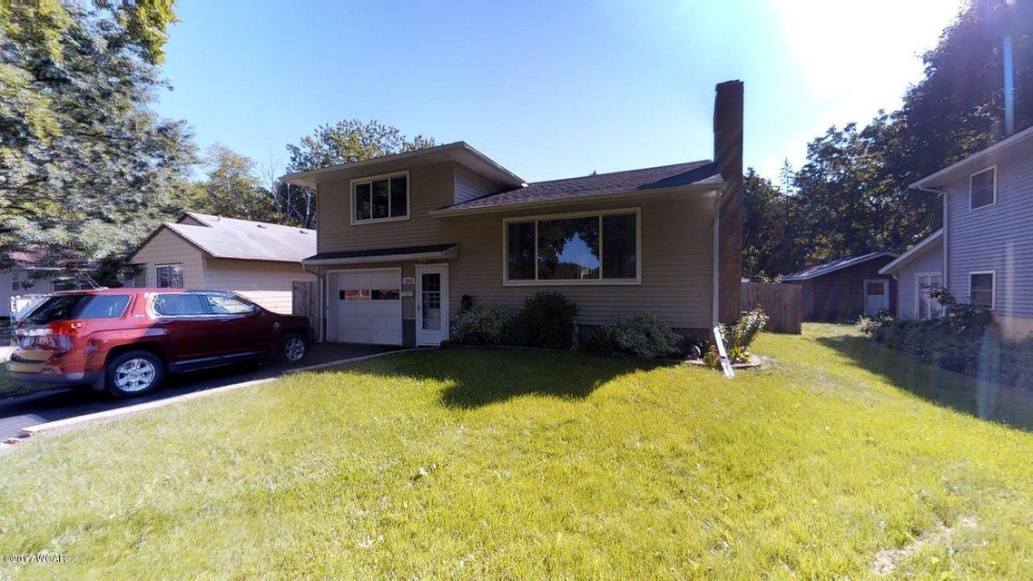 1015 7th Street,Willmar,3 Bedrooms Bedrooms,2 BathroomsBathrooms,Single Family,7th Street,6028000