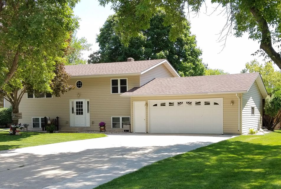 409 25th. Avenue,Willmar,4 Bedrooms Bedrooms,2 BathroomsBathrooms,Single Family,25th. Avenue,6028005