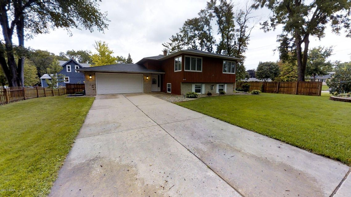1815 7th Street,Willmar,4 Bedrooms Bedrooms,2 BathroomsBathrooms,Single Family,7th Street,6028038