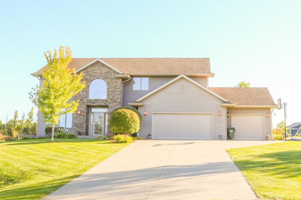 143 57th Avenue,Willmar,4 Bedrooms Bedrooms,4 BathroomsBathrooms,Single Family,57th Avenue,6028337