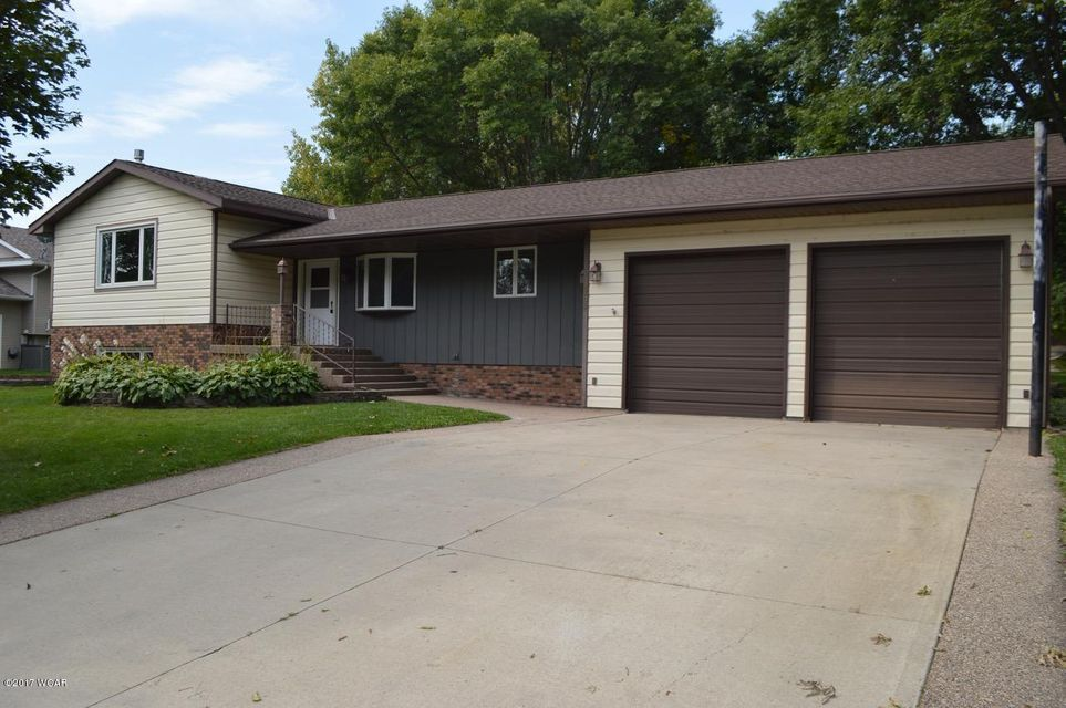 2308 Country Club Drive,Willmar,5 Bedrooms Bedrooms,4 BathroomsBathrooms,Single Family,Country Club Drive,6028399