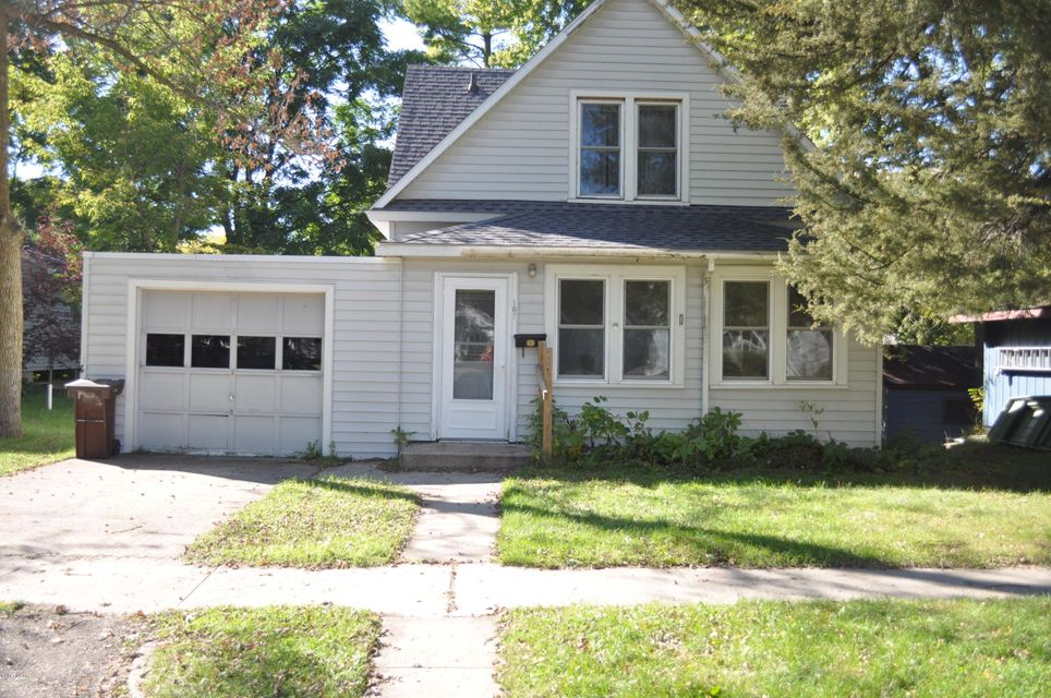 107 S 11th Street,Montevideo,2 Bedrooms Bedrooms,1 BathroomBathrooms,Single Family,S 11th Street,6028615