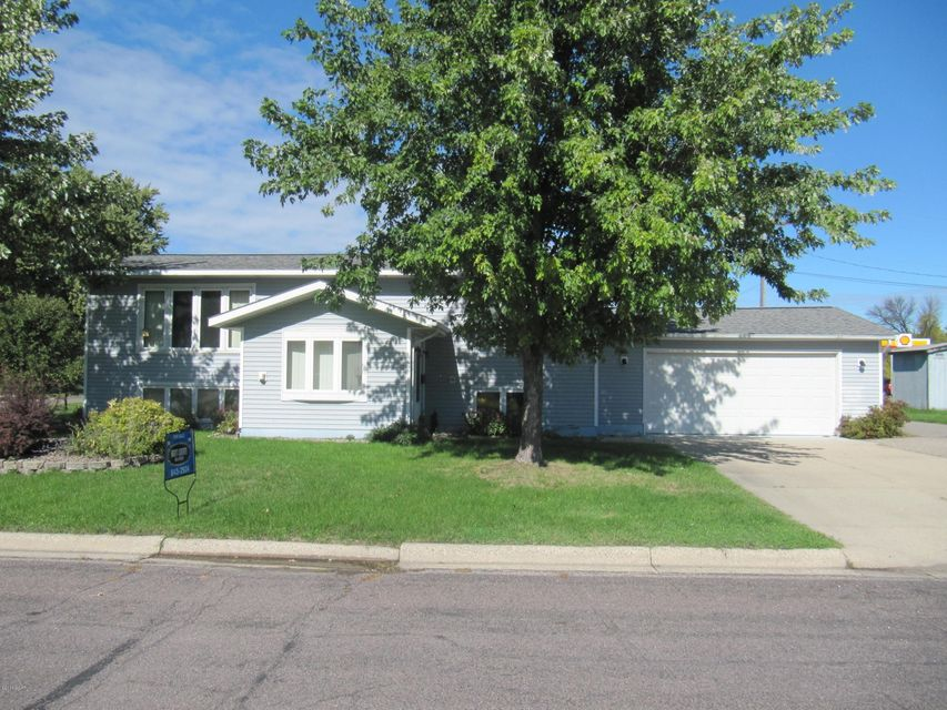 1310 Aldrich Avenue,Benson,3 Bedrooms Bedrooms,2 BathroomsBathrooms,Single Family,Aldrich Avenue,6028624