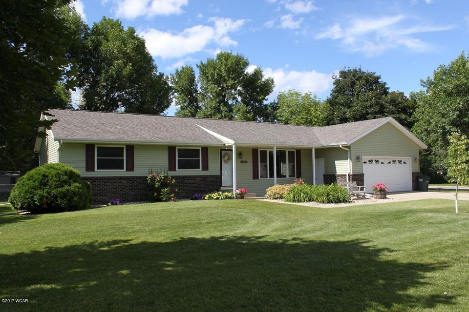 2304 5th Avenue,Willmar,4 Bedrooms Bedrooms,2 BathroomsBathrooms,Single Family,5th Avenue,6028954