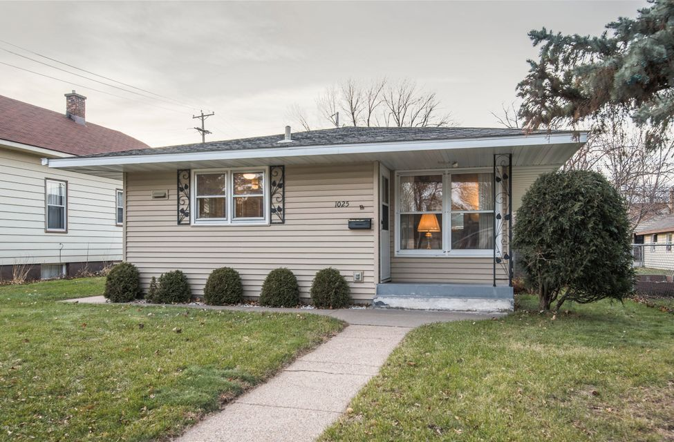 1025 13th Avenue,St. Cloud,3 Bedrooms Bedrooms,2 BathroomsBathrooms,Single Family,13th Avenue,6029063
