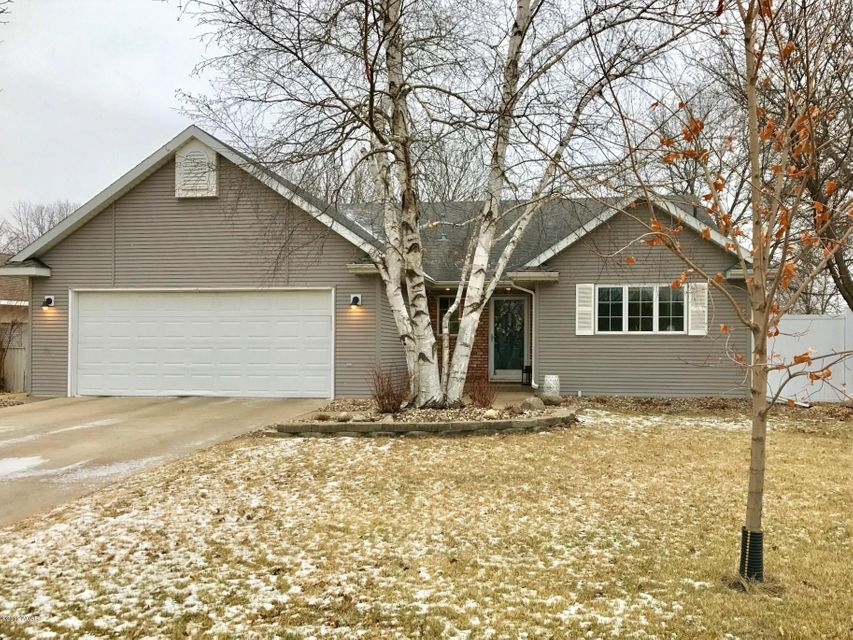 719 23 Street,Willmar,4 Bedrooms Bedrooms,2 BathroomsBathrooms,Single Family,23 Street,6029144
