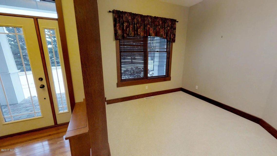 333 E 10th Street,Litchfield,5 Bedrooms Bedrooms,5 BathroomsBathrooms,Single Family,E 10th Street,6029156