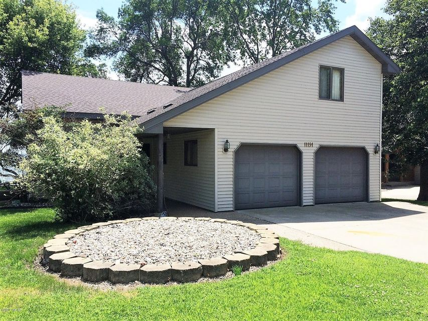 11191 North Shore Dr,Spicer,5 Bedrooms Bedrooms,2 BathroomsBathrooms,Single Family,North Shore Dr,6022445