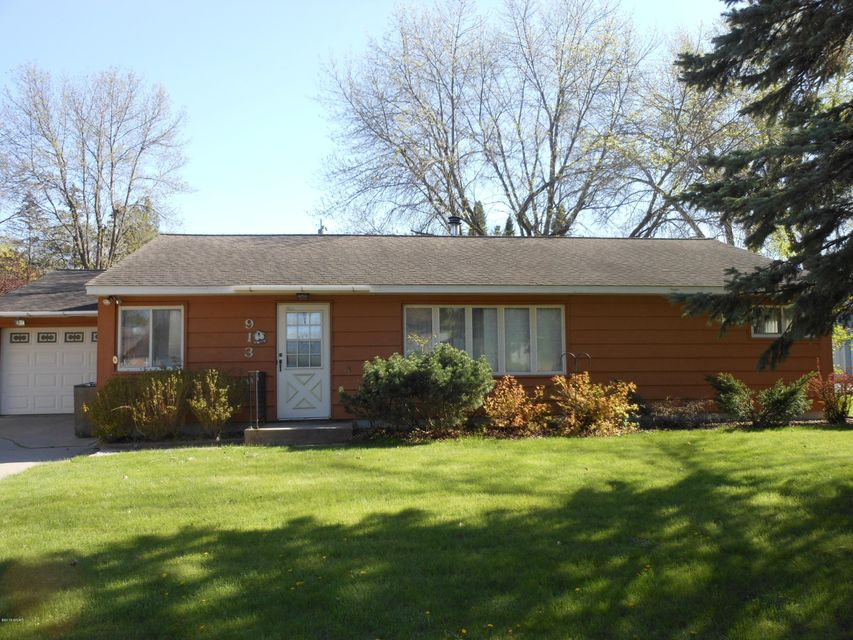 913 13 Avenue,Willmar,3 Bedrooms Bedrooms,2 BathroomsBathrooms,Single Family,13 Avenue,6029246