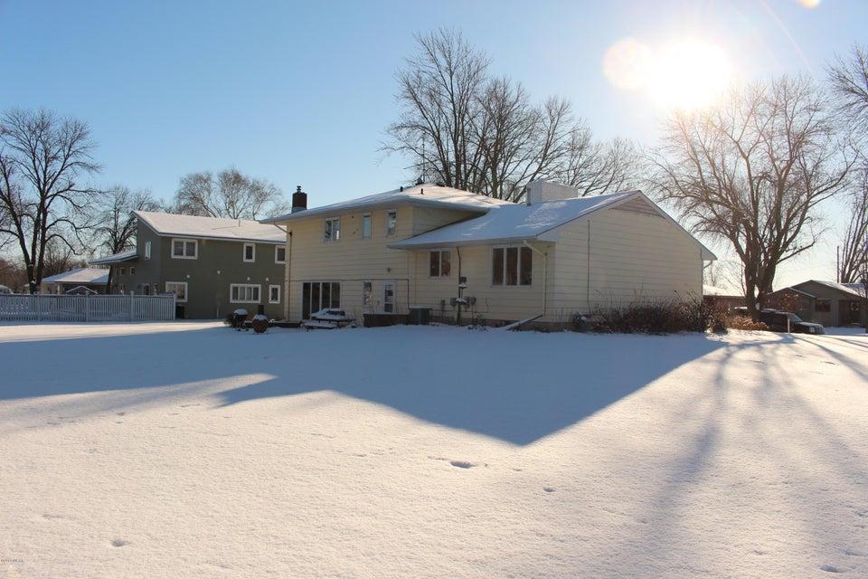 1000 Birch Ave,Olivia,4 Bedrooms Bedrooms,3 BathroomsBathrooms,Single Family,Birch Ave,6029256