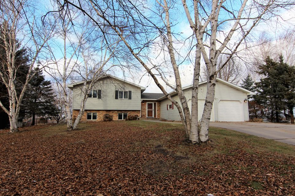 410 Hidden Acres Drive,Pennock,5 Bedrooms Bedrooms,2 BathroomsBathrooms,Single Family,Hidden Acres Drive,6029272